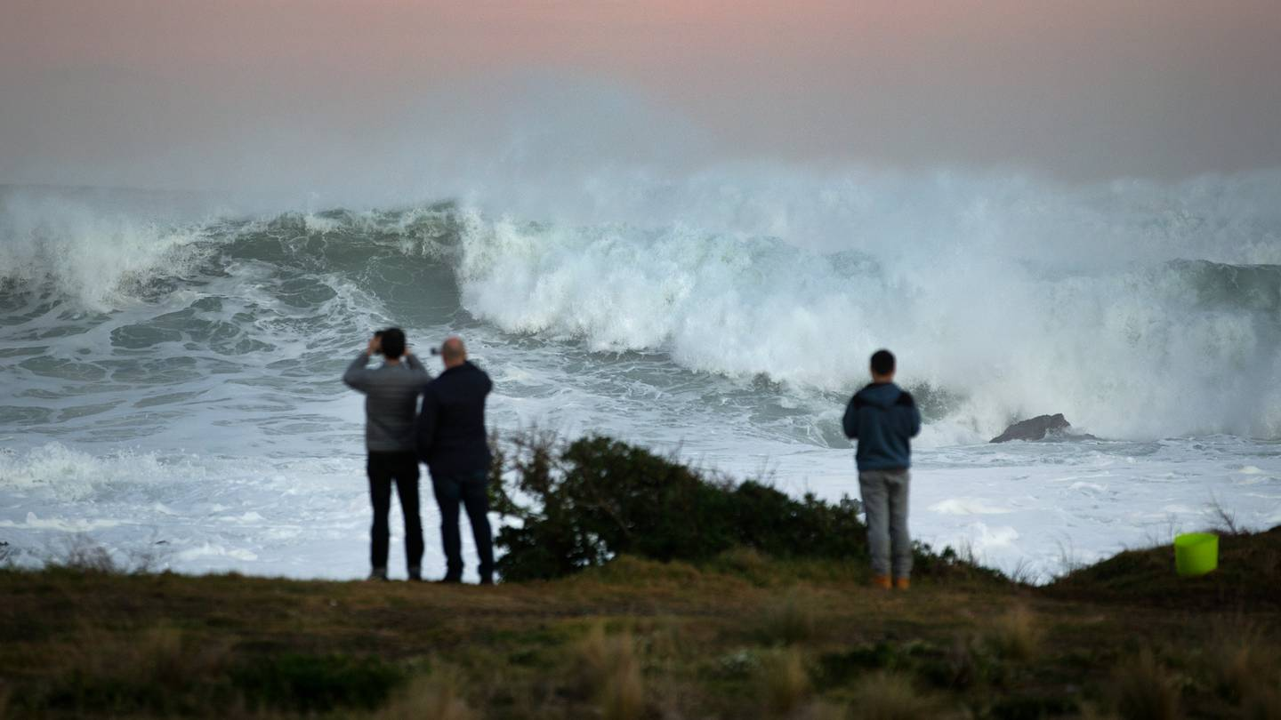 Giant swells and waves reaching up to 10m high along New Zealand's southwest coast are on the...