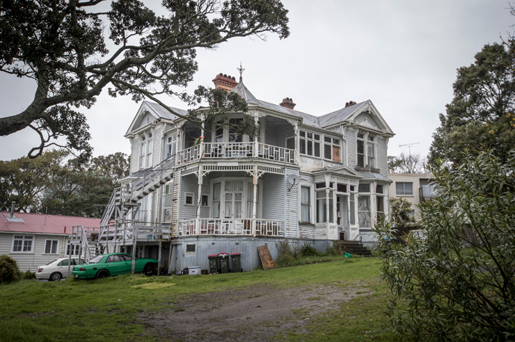 What the house looked like in 2016 before the renovation. Photo: Michael Craig