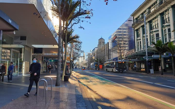 The usually bustling Queen St in Auckland during alert level 3 in December. Photo: RNZ