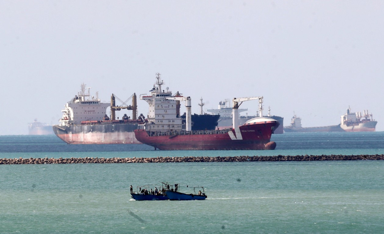 Ships wait at the entrance of Suez Canal while the Ever Given blocks the waterway. Photo: Reuters