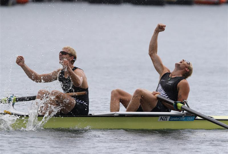 Hamish Bond and Eric Murray have recorded the longest winning streak in men's international rowing.