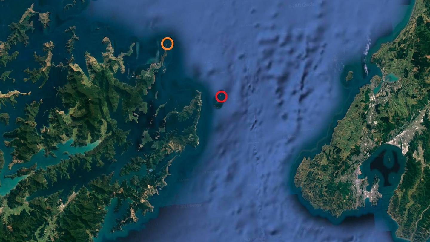 The yacht sank by The Brothers/Ngāwhatu Kai-ponu islands, in red, and was hit by a fishing vessel...