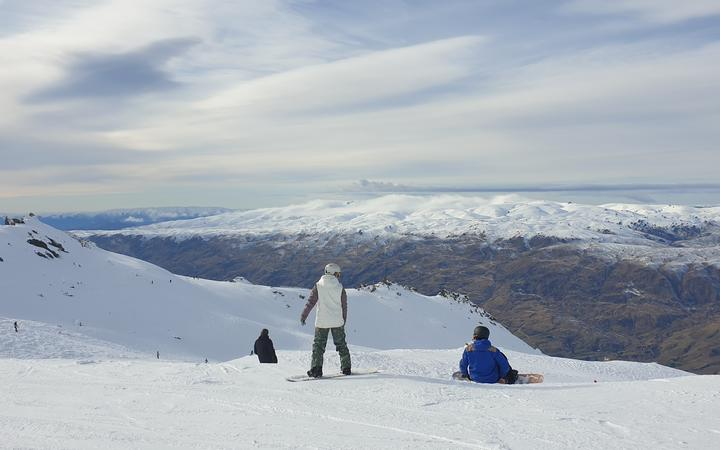 Those seeking jobs are being urged to train and spend the winter in a mountain town like Ōhakune,...