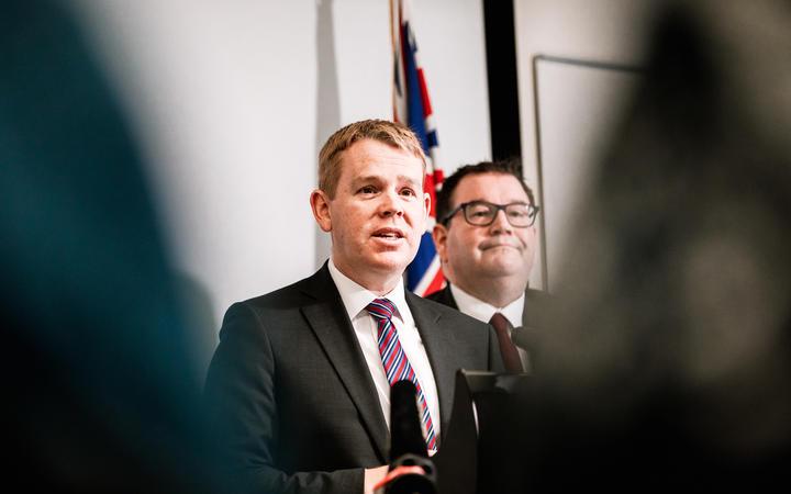 Public Service Minister Chris Hipkins (left) and Finance Minister Grant Robertson. Photo: RNZ (file)