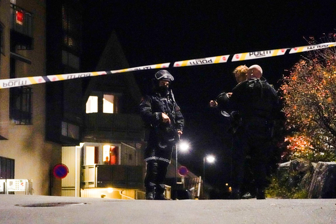 Police at the scene after the attacks in Kongsberg. Photo: Hakon Mosvold/NTB/via REUTERS