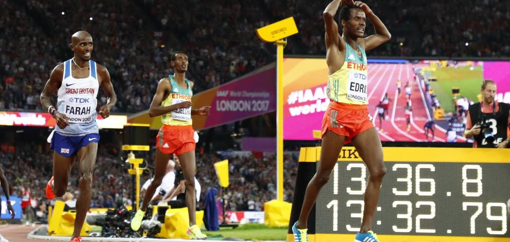 Britain's Mo Farah (left) couldn't catch Ethiopia's Muktar Edris in the 5000m final. Photo: Reuters