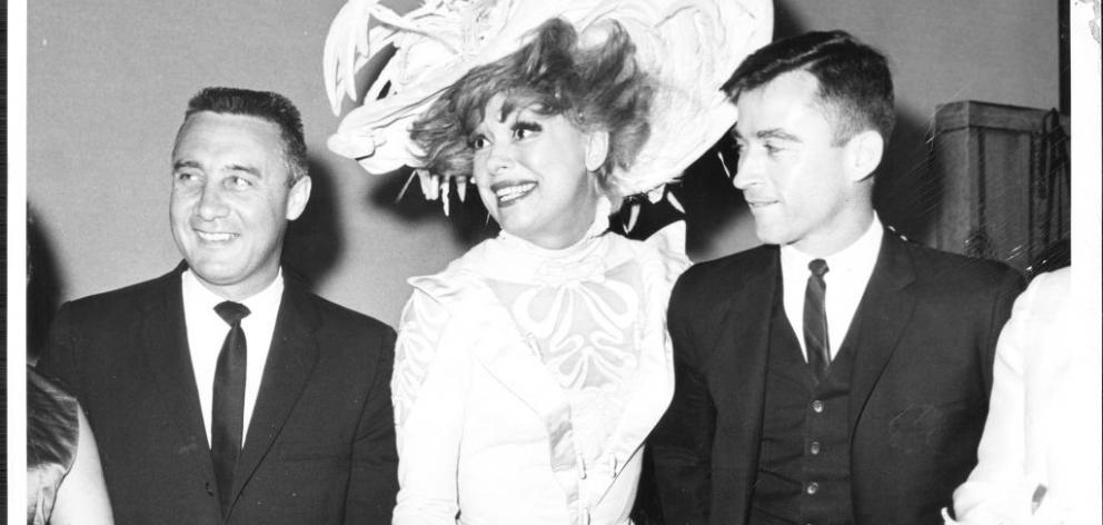 'Hello, Dolly!' star Carol Channing met astronauts Virgil Grissom (left) and John Young of the 'Molly Brown' after her show in March 30, 1965. Photo: New York Times archive via Getty Images