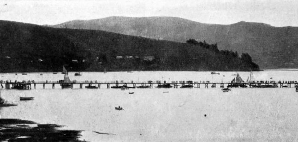 The pier at Broad Bay, Otago Harbour: a favourite seaside resort for weekenders.- Otago Witness, 12.2.1913.