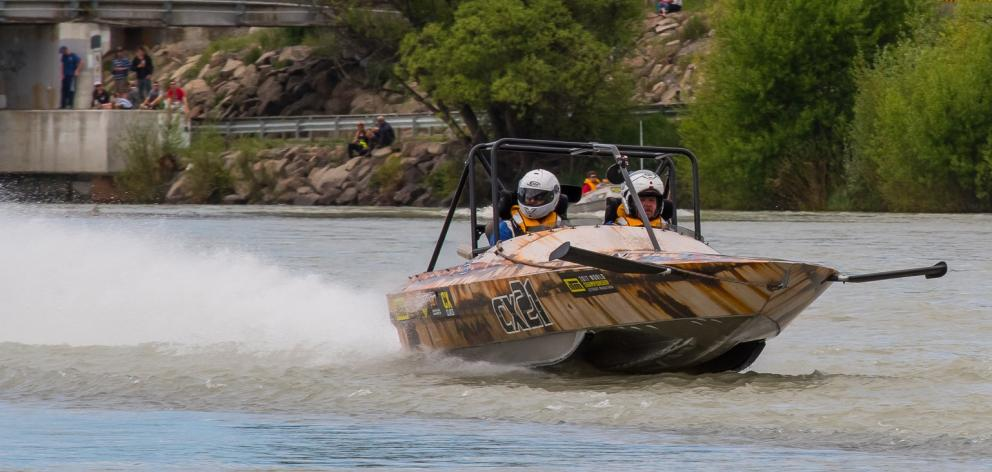 Duayne Insley and Dwayne Terry in action during the World Championship Jet Boat Marathon. Photo: Richard Healey