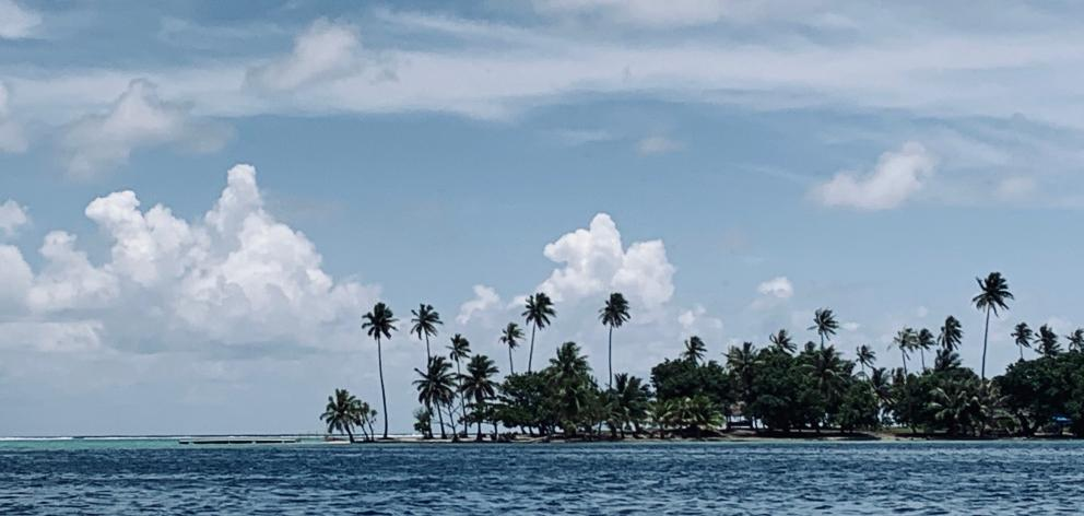 An islet on Ra'iatea's barrier reef.