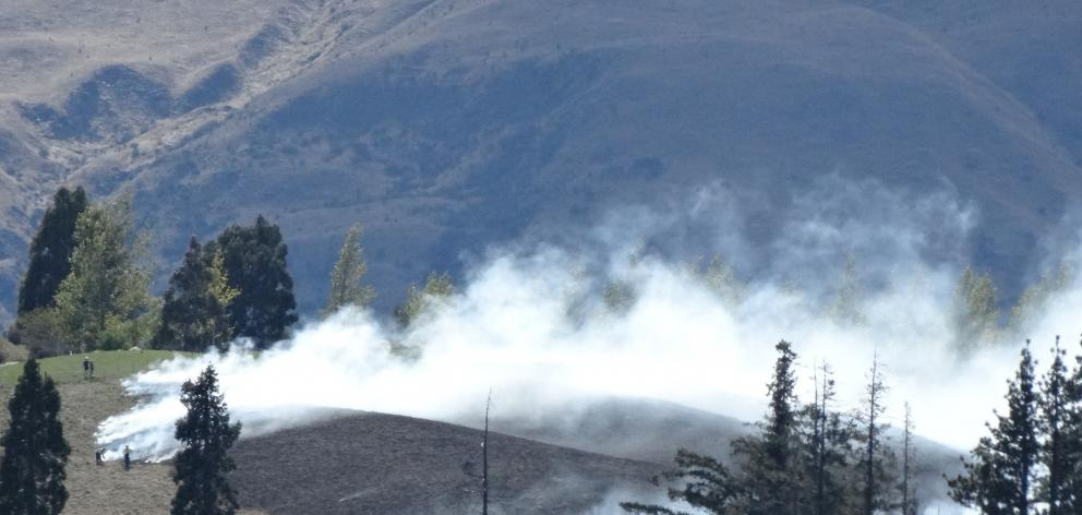 The Otago Rural Fire Authority says this fire near Lake Hayes yesterday could have been worse if...