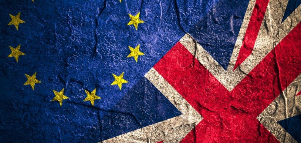 brexit_flags.jpg