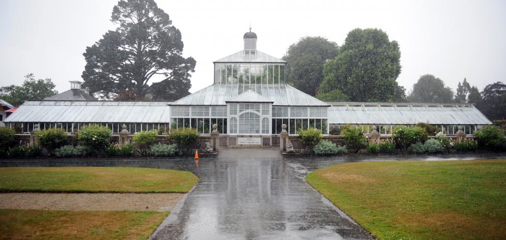 The Dunedin Botanic Garden winter garden glasshouse is  to undergo a major refurbishment.