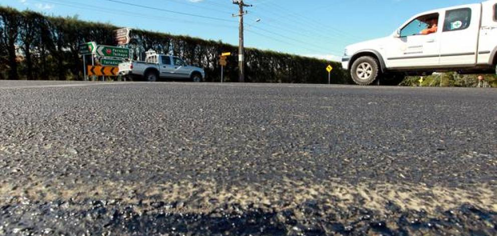 Bitumen bleed causes NZTA to act | Otago Daily Times Online News
