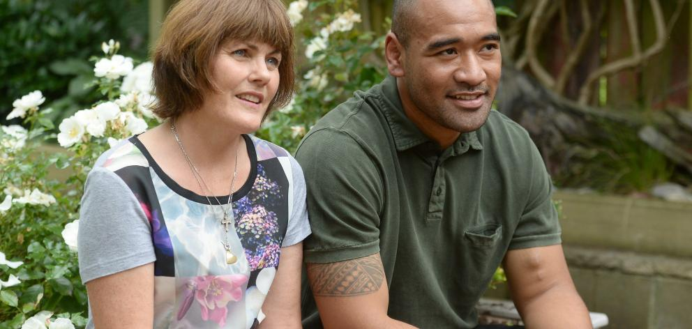 Kidney donor Philippa O'Neill and the recipient of her organ, Axel-Peter Pupuali'i. Photo: Linda...