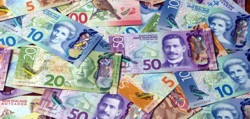 Brighter_money_banknotes.JPG