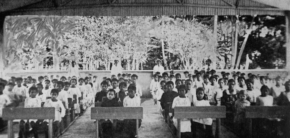 Pupils from junior classes at the Avarua public school, recently opened by the Cook Islands administration under Dr Pomare. - Otago Witness, 10.7.1918.