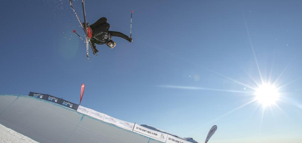 Wanaka freeskier Nico Porteous stamped his claim as the gold medal favourite in the junior world...