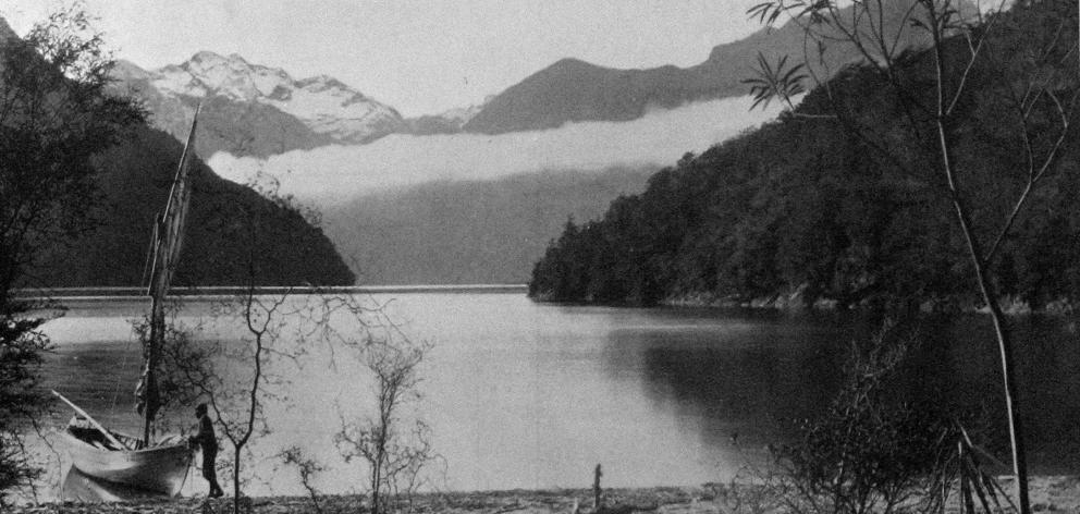 Boat Cove, Lake Te Anau. — Otago Witness, 18.12.1918.