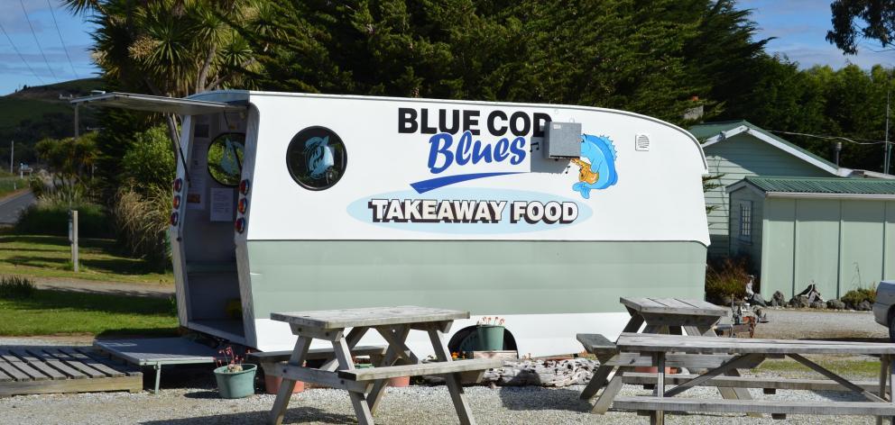 食品卡车之前的食物卡车是一件事:Blue Cod Blues,Waikawa。 ...