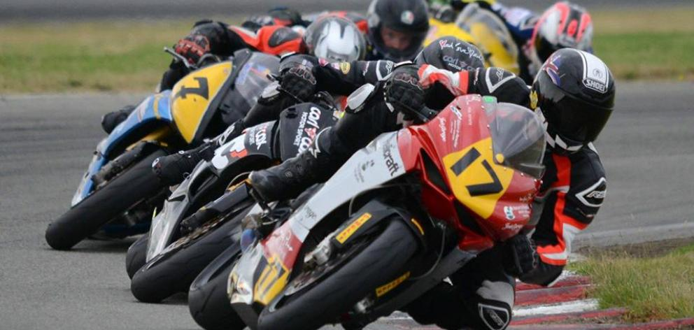 Dale Finch (#17), on the Helicraft Racing MV Agusta 675 F3, leads the NZ Supersport 600 Championship field at Levels (Timaru) at the weekend. Photo: Dallas Alexander