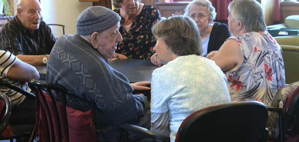 Ian Bartlett talks with Senior-Link co-ordinator Geraldine Tait.