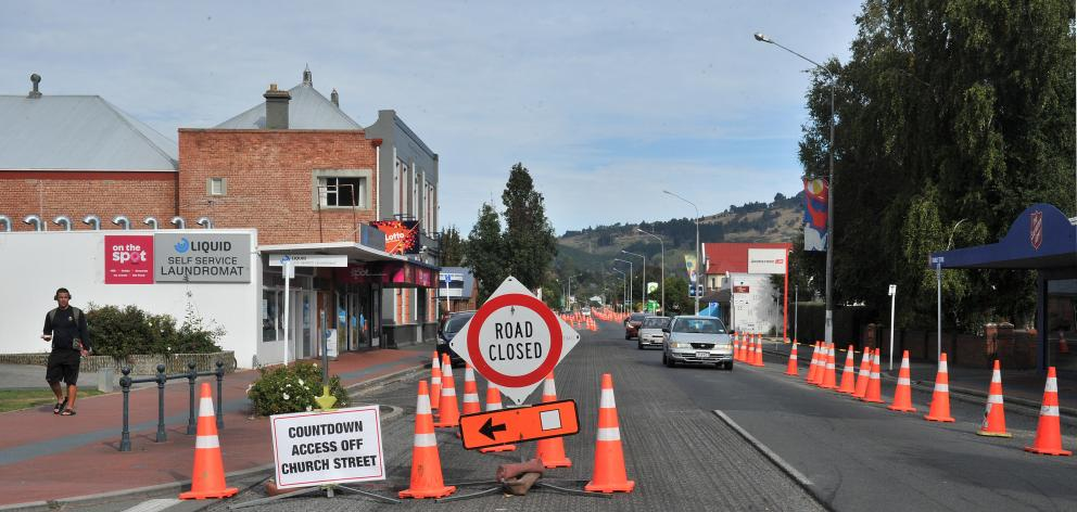 The road works on Gordon Rd will now last until early April. PHOTO: CHRISTINE O'CONNOR