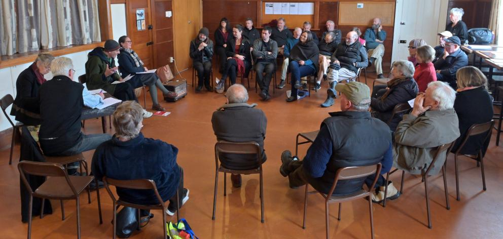 A community meeting in Middlemarch on Saturday discusses a proposed diatomite mine and a lack of...