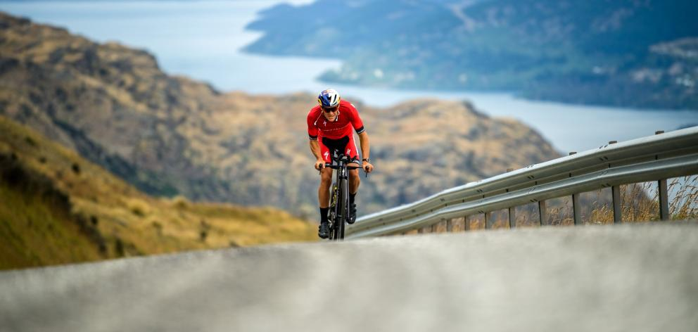 Braden Currie trains in preparation for the Ironman Asia Pacific Championships. PHOTO: SEAN BEALE