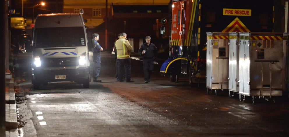 A bomb disposal unit van arrived on the scene this morning. Photo: Gerard O'Brien