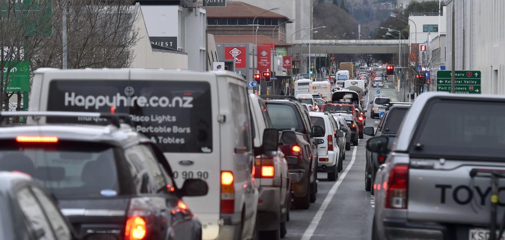 Heavy traffic along Cumberland St heading North this afternoon. Photo: Peter McIntosh