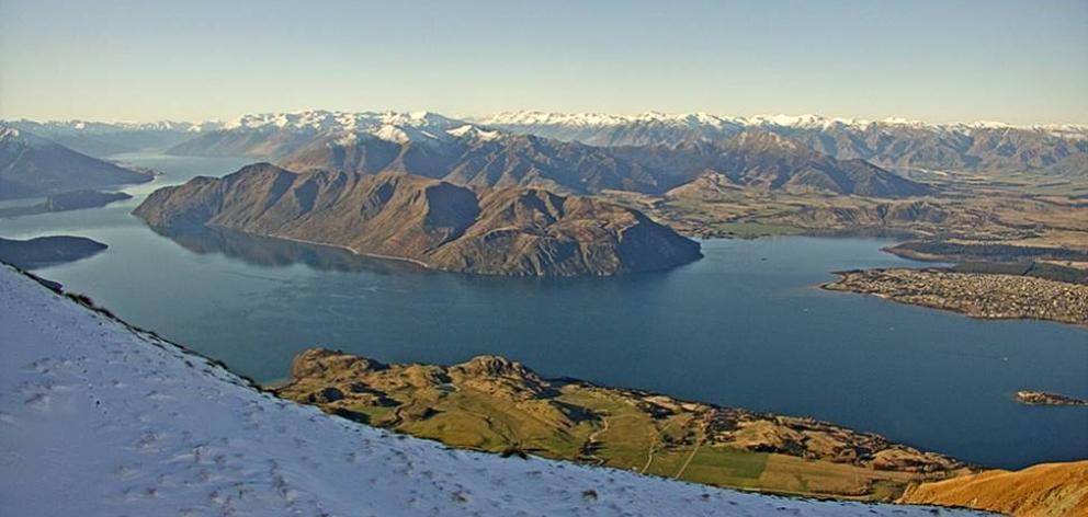 Image of Lake Wanaka, taken from the Lake Wanaka Tourism webcam on Roys Peak.