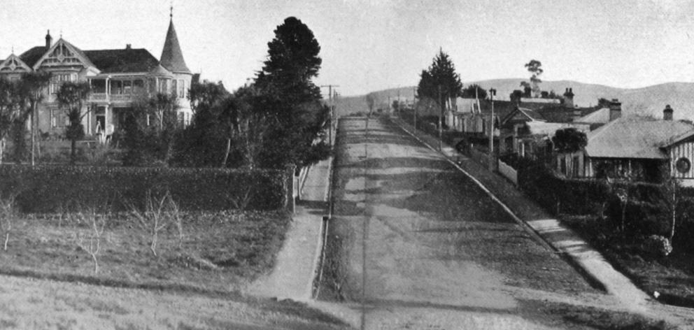 Driver's Road, Maori Hill, Dunedin. - Otago Witness, 7.10.1919.