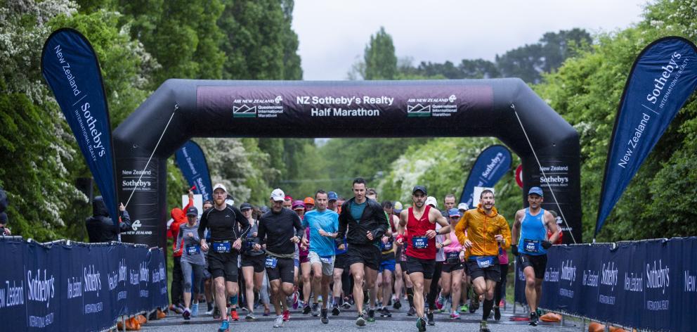 Queenstown half-marathon runners begin their race on Saturday. PHOTOS: GEMMA WELLS