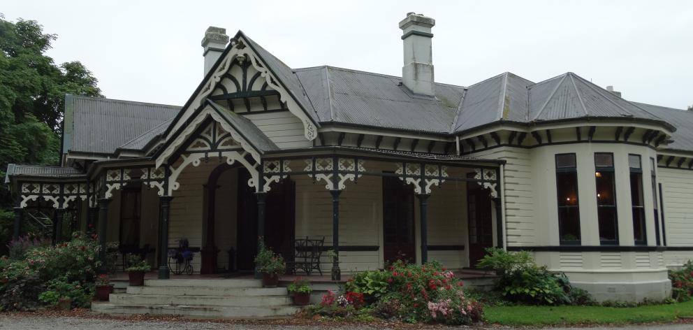 Burnside Homestead at Elderslie, about 17km inland from Oamaru.