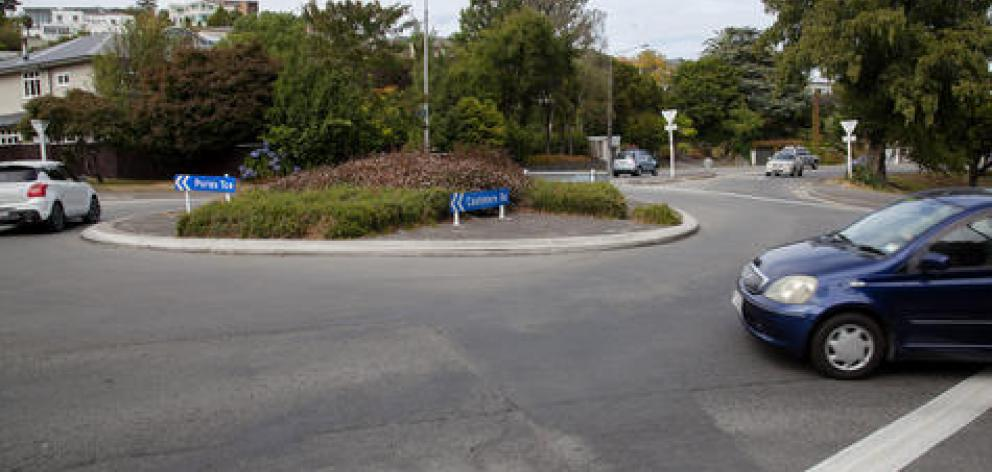 The roundabout at the intersection of Barrington St and Cashmere Rd. Photo: Geoff Sloan