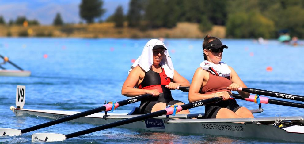 In searing heat, the North End crew of Bridget McArthur and Kate Pitcaithly head to the start of...