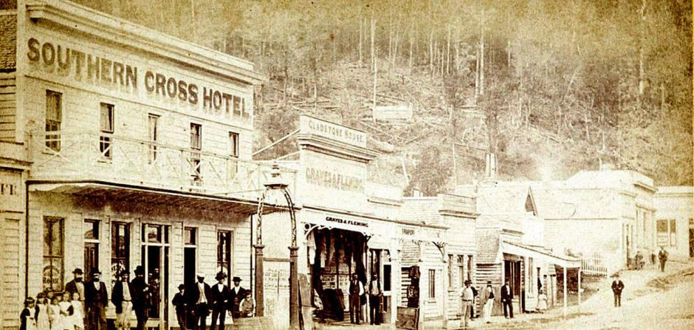 An early photo of the Southern Cross hotel showing the original pub light. Photo: Supplied