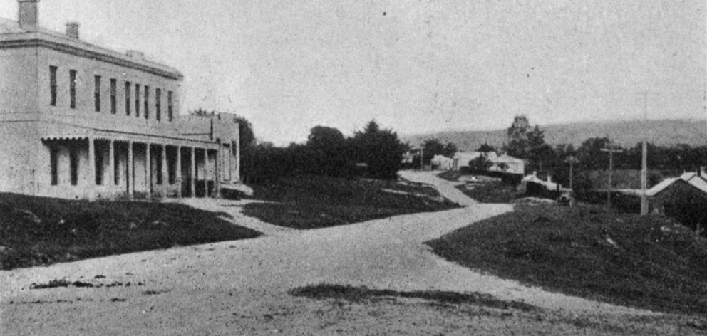 The Main North Road at Herbert. — Otago Witness, 21.6.1921