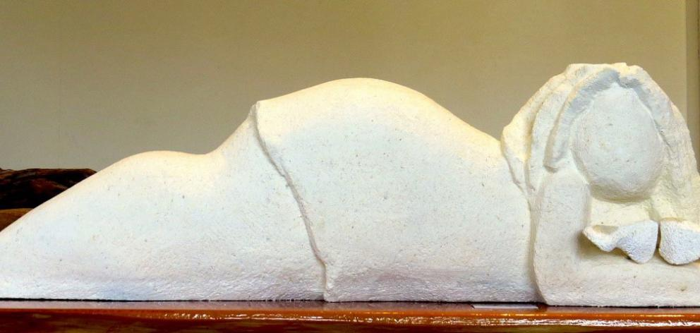 Untitled Reclining Figure, by Suzanne Emslie.