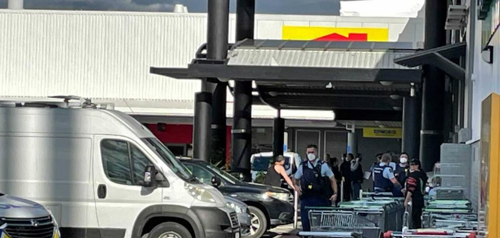 Armed police have swarmed on the mall. Photo: NZ Herald