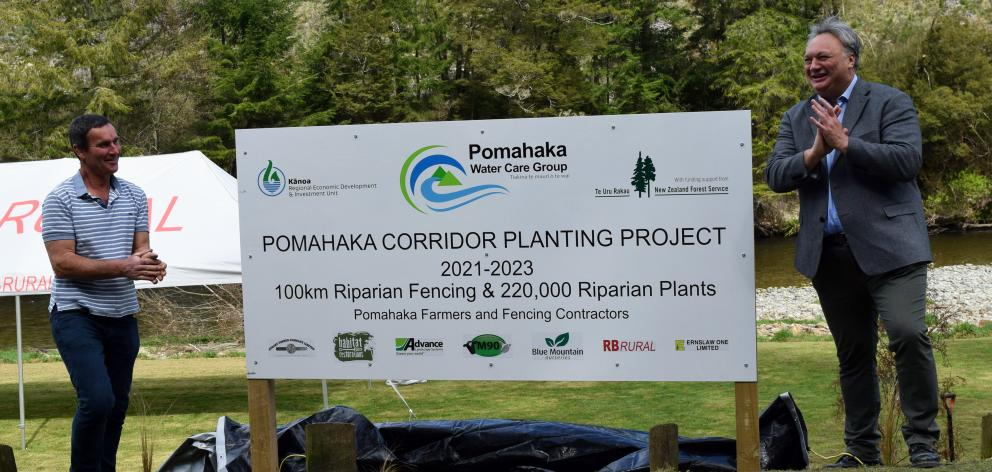 Unveiling a sign at Leithen Picnic Area in West Otago last week are  Pomahaka Water Care Group...