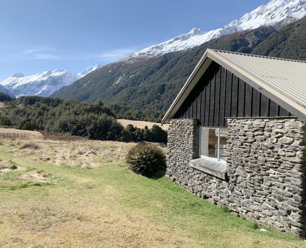 Aspiring Hut was built from river schist in 1949.