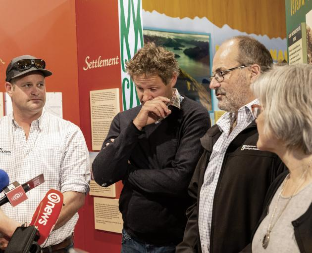 Wallis brothers Toby (left) and Jonathan, Doc director-general Lou Sanson and Conservation...