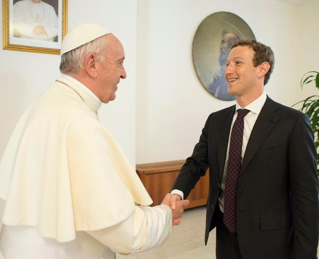 Mark Zuckerberg met with Pope Francis. Photo: Reuters