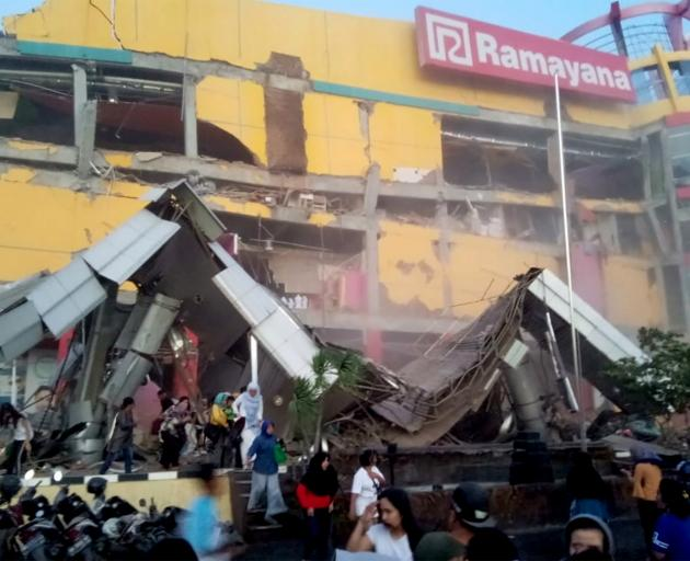 At least 832 dead in Indonesia quake-tsunami disaster
