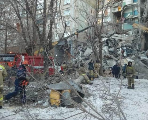 Russian Federation: 4 dead in apartment collapse, apparent gas explosion