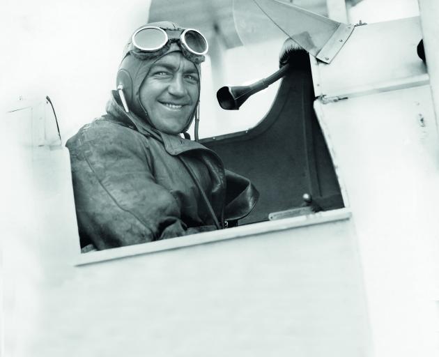Mr Aviation, Leo White.