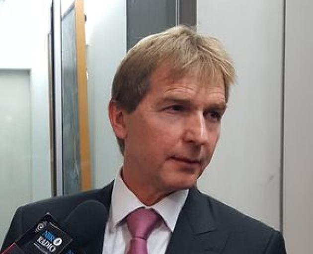 Andrew Kibblewhite speaking to reporters this morning. Photo: RNZ