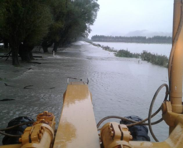Bridge twists and snaps in wild New Zealand storm